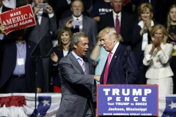 Nigel Farage na Trump Rally, Jackson (Mississippi) (CZ Video)